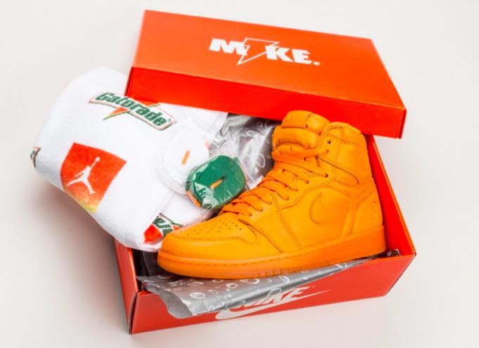 huge discount 98279 a6bc1 Air Jordan 1 Gatorade Orange Peel Arriving In A Few Days ...