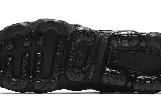 Release Date Nike Air Vapormax Flyknit Utility Triple Black