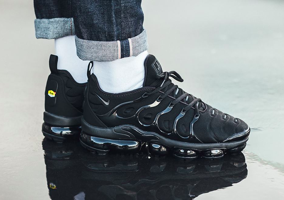 best service 129fe 81458 Get Ready For The Nike Air VaporMax Plus Triple Black ...