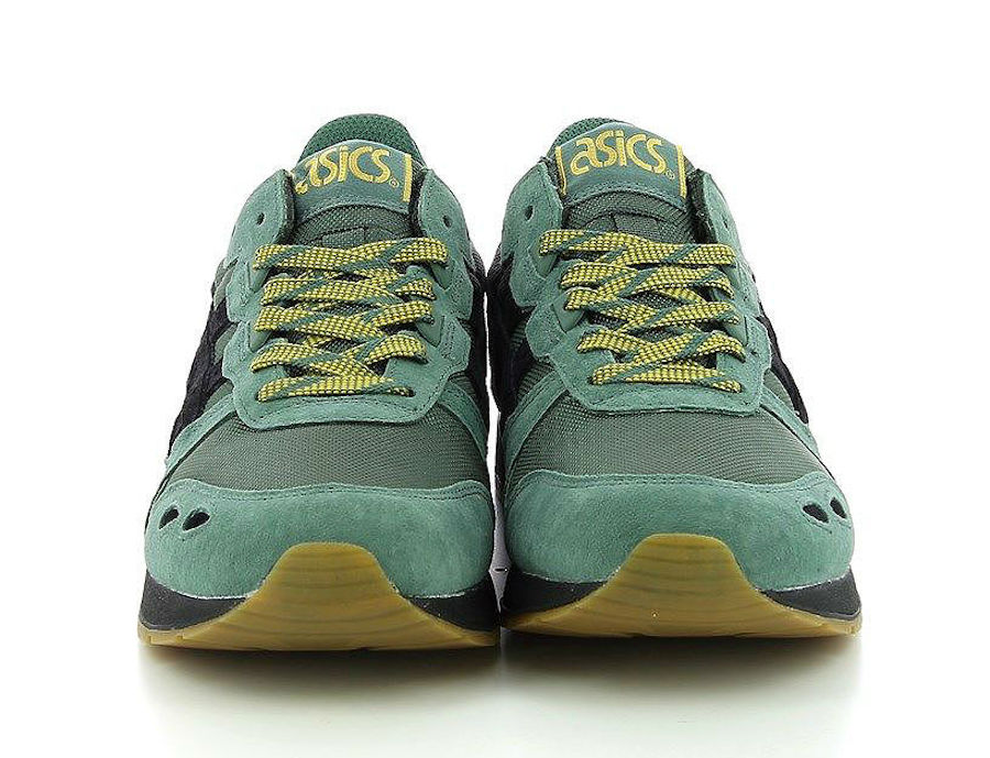 uk availability 9e987 6519b The Latest Asics Gel Lyte Comes Covered In Dark Forest Green ...
