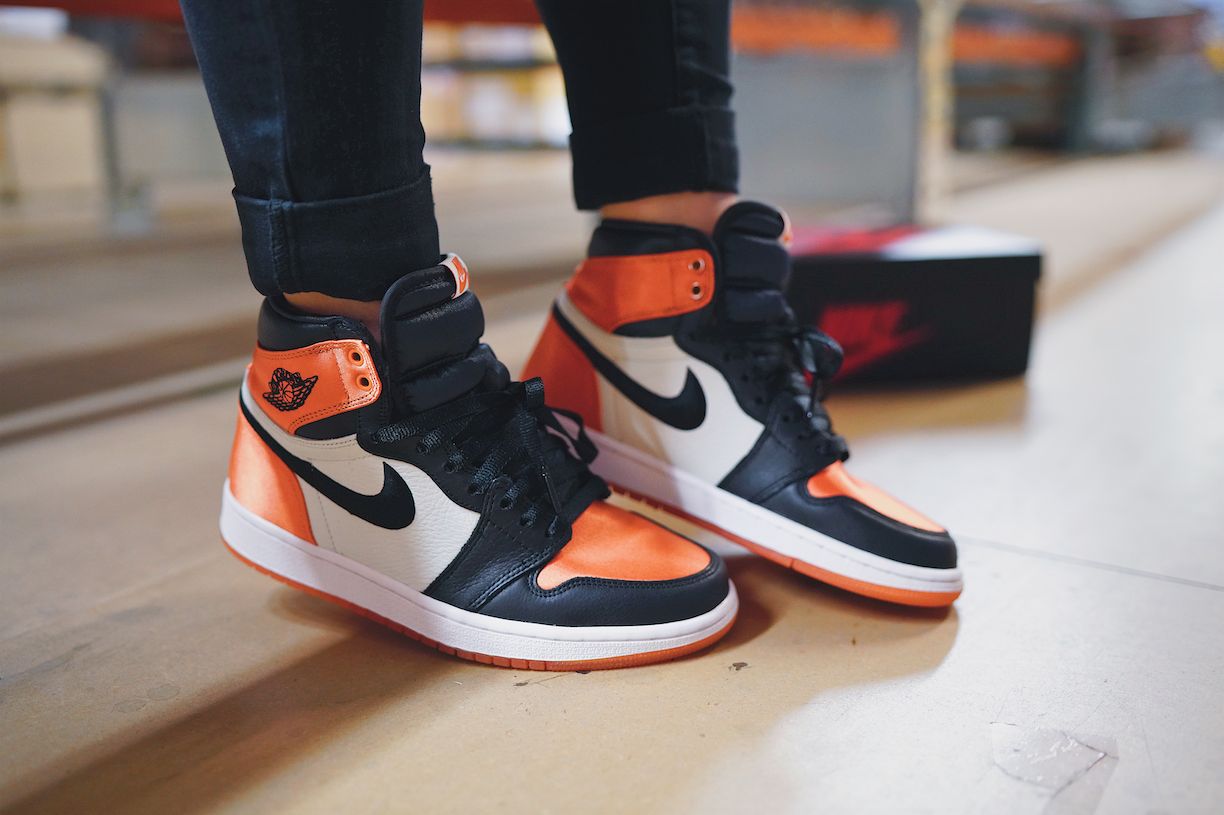 nike air jordan 1 orange satin