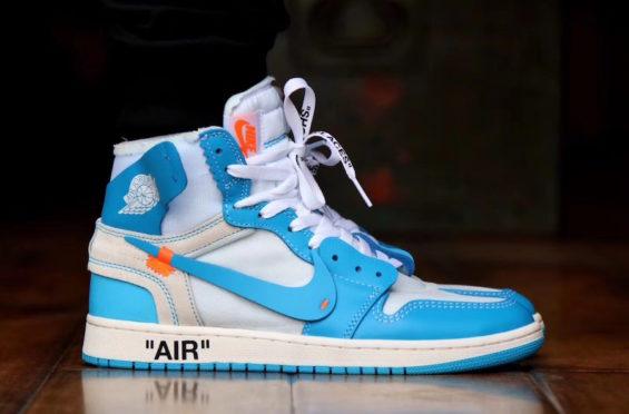 x Air Jordan 1 Powder Blue (UNC