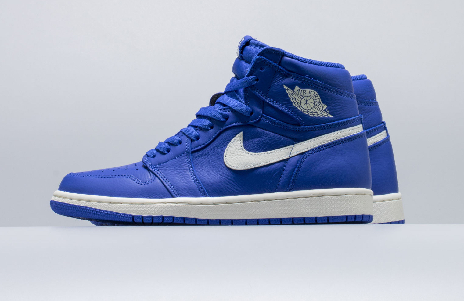 new style 556cc 68338 Are You Waiting For The Air Jordan 1 Retro High OG Hyper ...