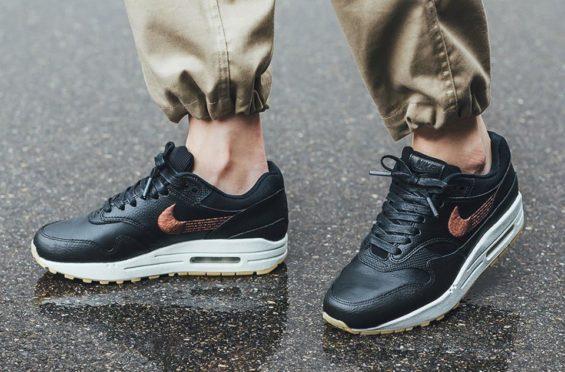 https://www.kicksonfire.com/wp-content/uploads/2018/07/Nike-WMNS-Air-Max-1-Premium-3-565x372.jpg