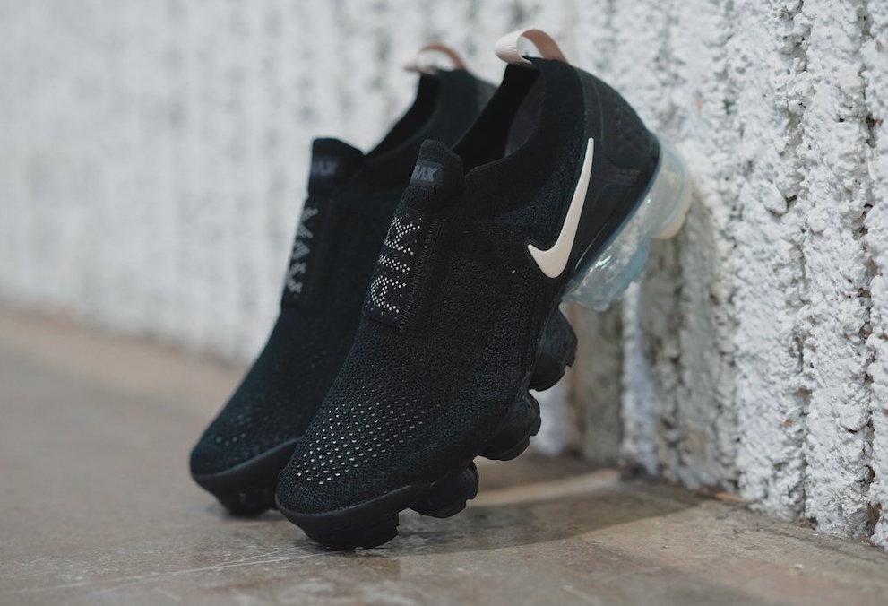 lucha perder triatlón  Nike Air VaporMax Moc 2 Black Light Cream Arriving Next Week •  KicksOnFire.com