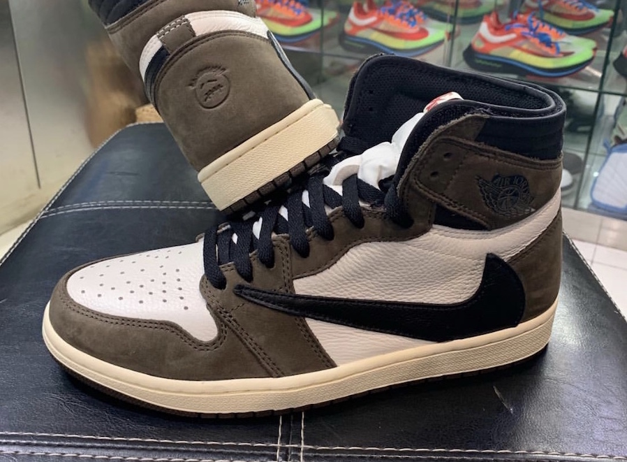 new styles fa127 d704d The Travis Scott x Air Jordan 1 Retro High OG Is Dropping In ...