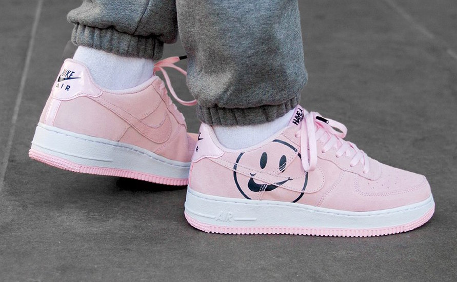 Dime Boquilla plátano  Smile With The Nike Air Force 1 Low Pink Foam Have A Nike Day •  KicksOnFire.com
