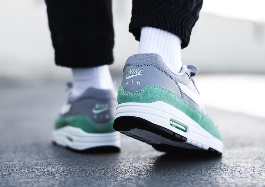 Fresh Mint Highlights This Nike Air Max 1 •