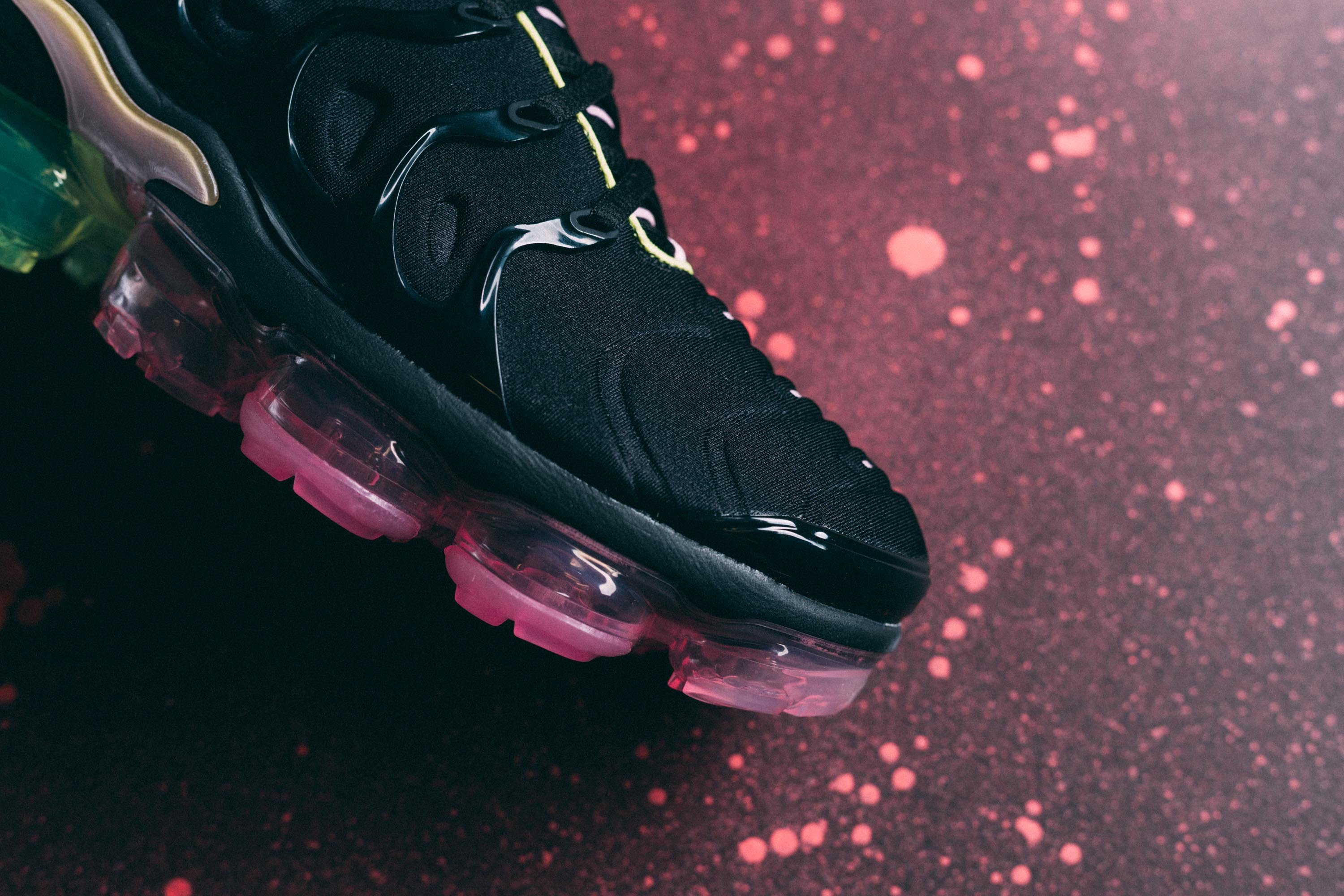 Look Out For The Nike WMNS Air VaporMax Plus Black Pink Rise