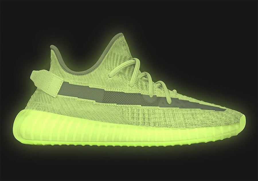 super popular 8e066 57e9a adidas Yeezy Boost 350 V2 Glow In The Dark To Release Next ...