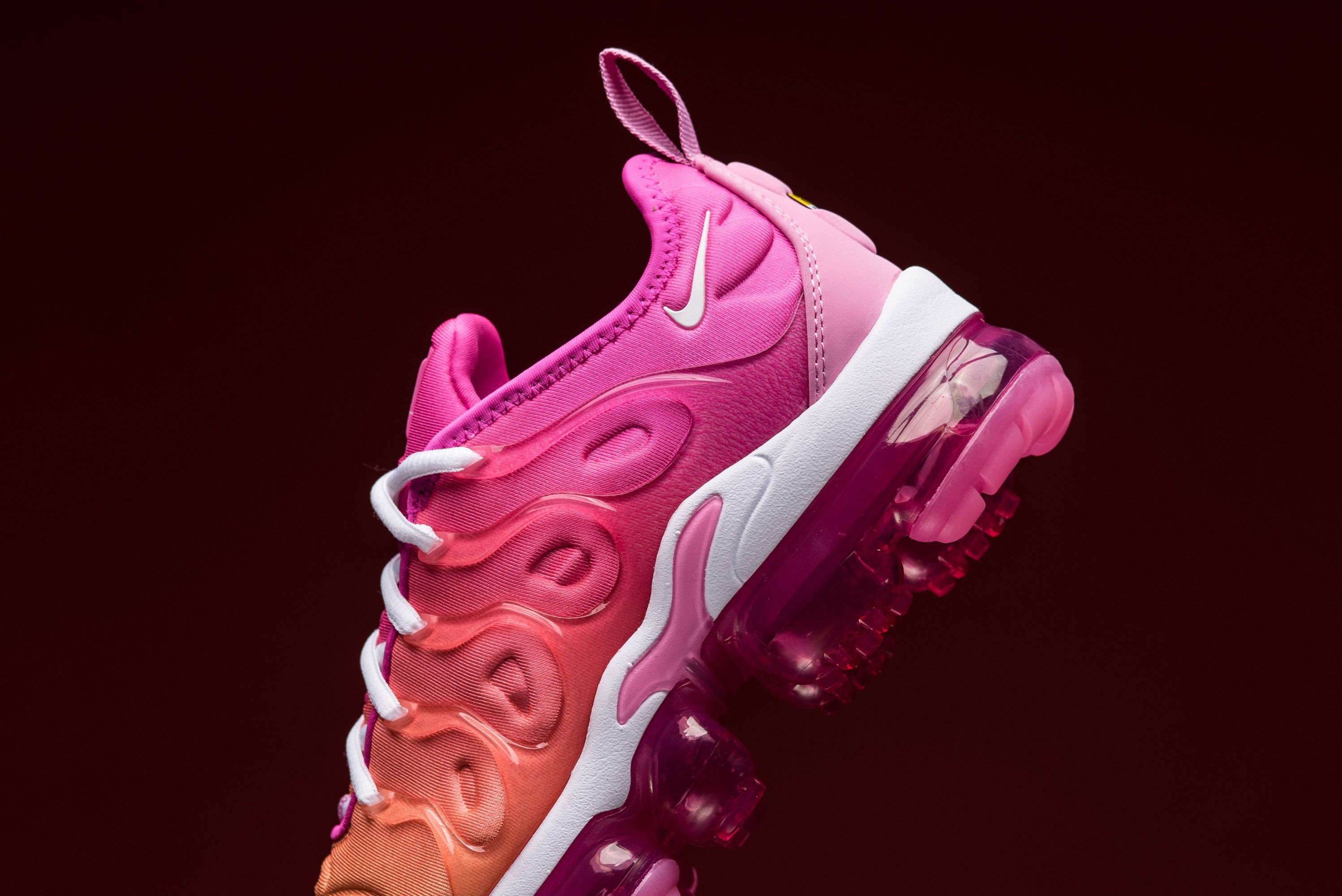 premium selection a76e1 d8590 Nike WMNS Air VaporMax Plus Laser Fuchsia Heats Up The ...
