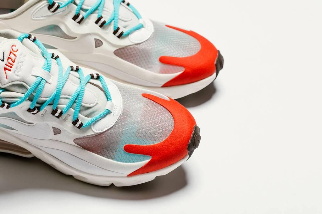 La Nike Air Max 270 React Light BeigeChalk est disponible