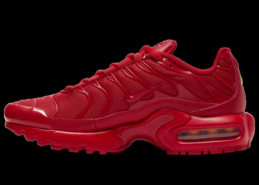 size 40 3d622 8a362 First Look: Nike Air Max Plus Triple Red • KicksOnFire.com