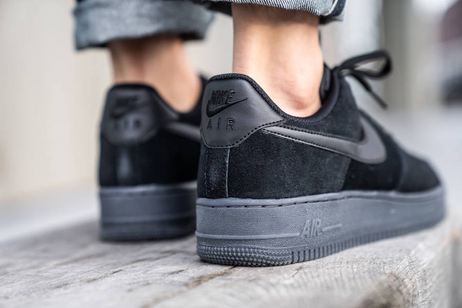 Nike Air Force 1 Low Triple Black Suede