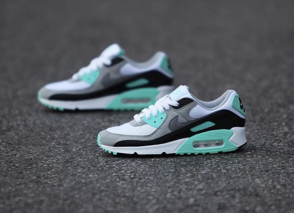 Shelta Nike Womens Air Max 90 White Hyper Turquoise